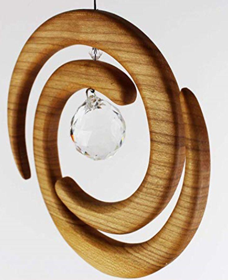 Fenster Deko Zum Aufhangen Helix Aus Holz Regenbogenkristall