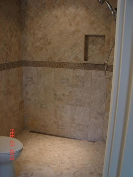Linear Drain Curbless Shower I Like The Toilet And