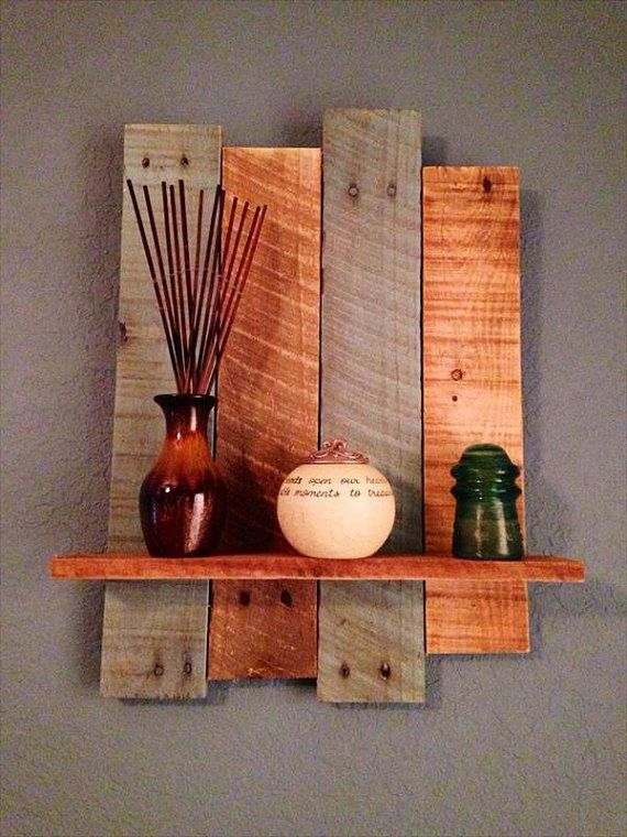 This pallet shelf is made form HT safe pallet wood. It features two tone shade and a single shelf. Planks measure 18 to 24 inches long.They