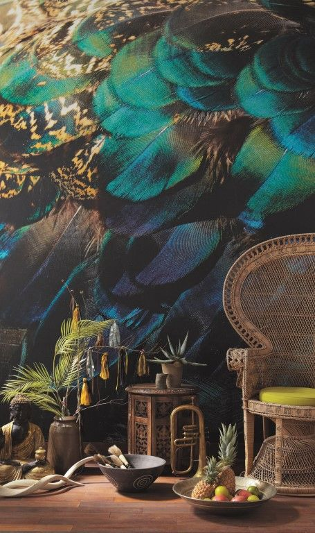 Beautiful green/blue feathers, larger than life on this wallpaper mural. From the Trendy Panels collection, Exotique TDP65257022. This is a Guthrie Bowron exclusive range in NZ.