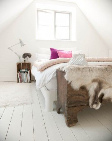 bedroom // whites // rustic