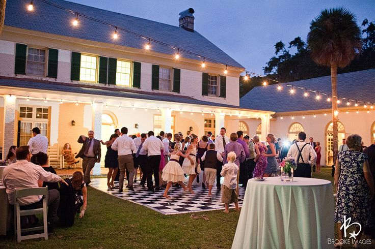 """I love the Idea of an at home wedding/reception...very """"Father of the Bride"""" :)"""