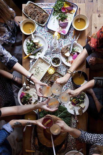 Dinner party (Pinterest: @OneTribeApparel)
