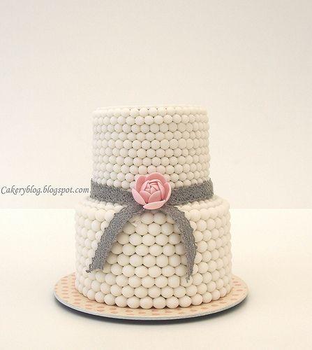 Chocolates Flower Cake, Cake Recipe, Bridal Shower Cake, Pearls Cake, Cake Ideas, Wedding Cakes, Minis Cake, Eating Cake, Baby Shower Cake