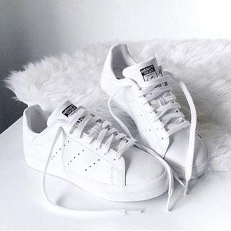 Spotlight on: witte sneakers