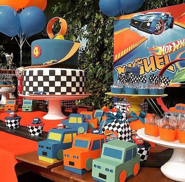 Mãe Festeira: Festa Hot wheels - festa Carros, nas cores azul e laranja