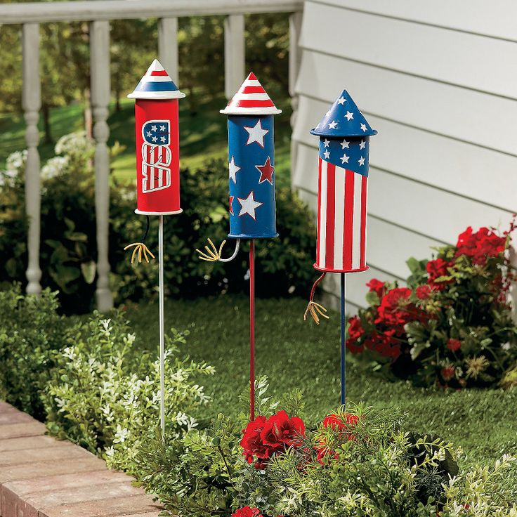 Rocket Yard Stakes - TerrysVillage.com