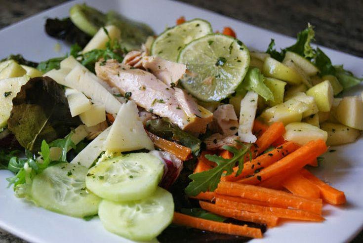 Ensaladas para cuidarse despues de los excesos de las fiestas. | Cocinar en casa es facilisimo.com Esta tiene vinagreta de miel, limón y cilantro