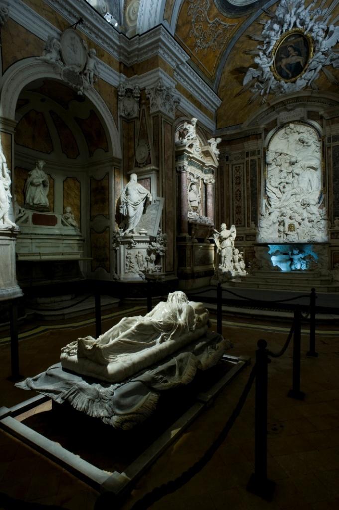 Cappella Sansevero, The Veiled Christ (the statue by Giuseppe Sanmartino, 1753).