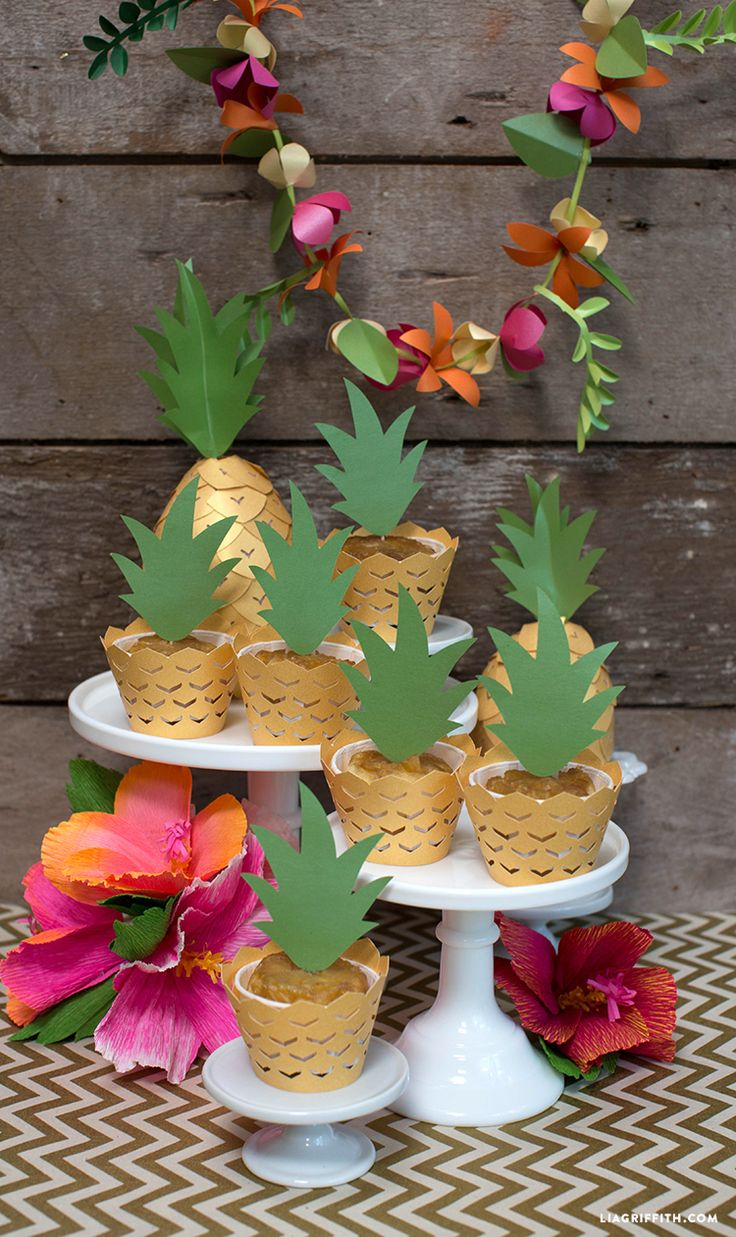 Pineapple Cupcake Decorations #luauparty #partydecorations