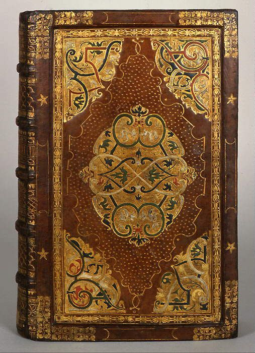 With the richly ornamental and colorful binding of this volume, Urban Köblitz demonstrates that he was among the outstanding bookbinders in Saxony, along with Jakob Krause and Caspar Meuser. We only know that he worked in Dresden and later in Leipzig.  Simon Paul Postilla Magdeburg, 1572, cover Painted, gilt-embossed leather (71)
