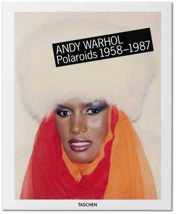 Taschen publica novo livro de Polaroids de Andy Warhol , muitas delas nunca mostradas.  Andy Warhol foi um cronista incansável da vida e seus encontros. Carregando uma câmera Polaroid desde o final dos anos 1950 até sua morte em 1987, ele acumulou uma enorme coleção de fotos instantâneas de amigos, amantes, patronos, os famosos, os obscuros, as cênicas, a moda, e ele próprio.   Criado em colaboração com a Fundação Andy Warhol, este livro apresenta centenas dessas fotos instantâneas, muitas…