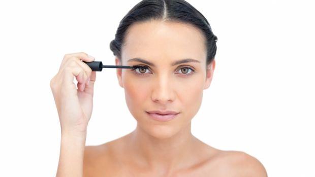 Sådan får du smukke vipper uden mascaraklumper | Femina