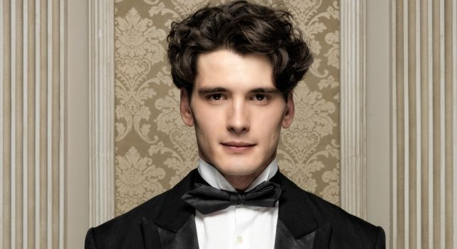 Yon González as Julio Olmedo - I've been watching this spanish series called Grand Hotel on netflix check it out lol.
