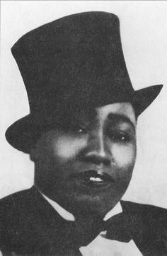 Gladys Bentley, a popular lesbian singer in Harlem, who typically dressed in men's attire