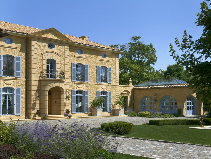 This home is influenced by the chateaux and manor houses of the South of France.