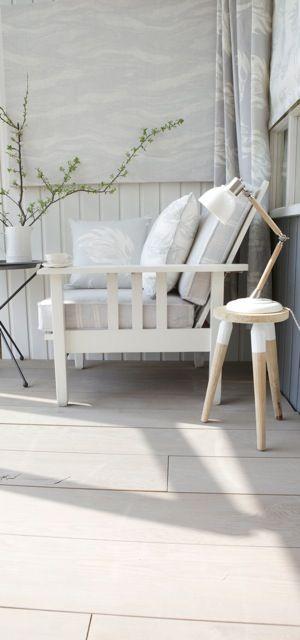Beach chair in Cool greys