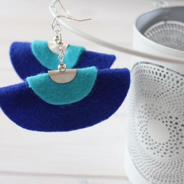 Duże niebieskie kolczyki z filcu - Kolczyki - Biżuteria artystyczna