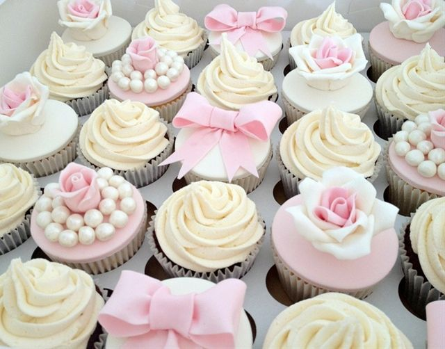 Vintage Pale Pink Wedding Cupcakes