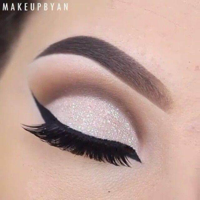 Bildresultat för makeup looks eyeshadow white glitter