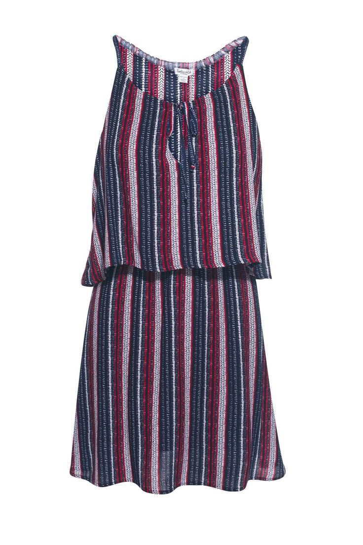 This beachcomber dress by splendid Splendid features a two layer dress, a v-cut with a trending tie front.This dress hits right above the knees.   Two Layer Dress by Splendid. Clothing - Dresses - Casual Nevada