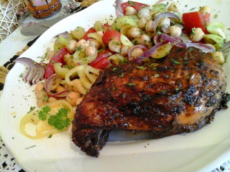 Szaftos hétfűszeres sült csirke/csicseriborsó salátával… http://mediterran.cafeblog.hu/2015/11/20/szaftos-hetfuszeres-sult-csirkecsicseriborso-salataval/