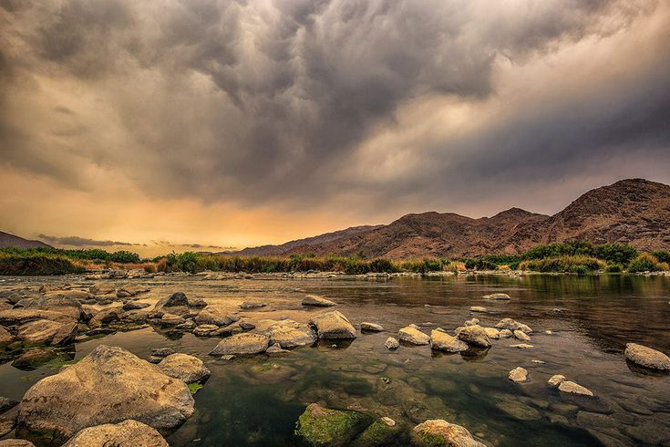 This is the orange river that flows through a national Park in South Africa called the Ritchersvelt. It's hard to believe that 30metres away from this river is an arid desert