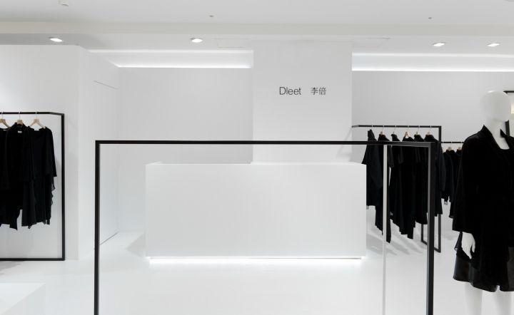 Дизайн бутика в черно-белом цвете