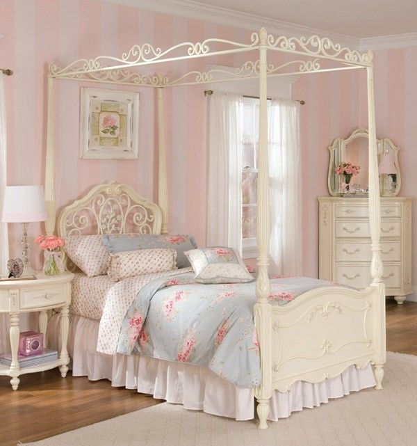 Shabby Chic Bedrooms Adults: Shabby Chic 4 Poster Bed