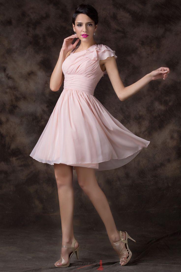Světle růžové šaty pro družičky s volánky