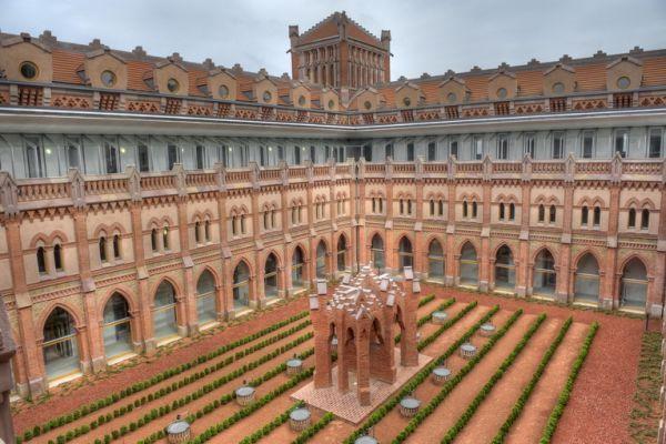 Claustro del centro internacional de estudios superiores del Español  #Cantabria #Spain