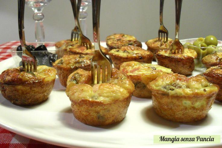 Frittatine con funghi al forno in una golosa versione mignon ottima come finger food: semplici da fare, saporite e d'effetto!