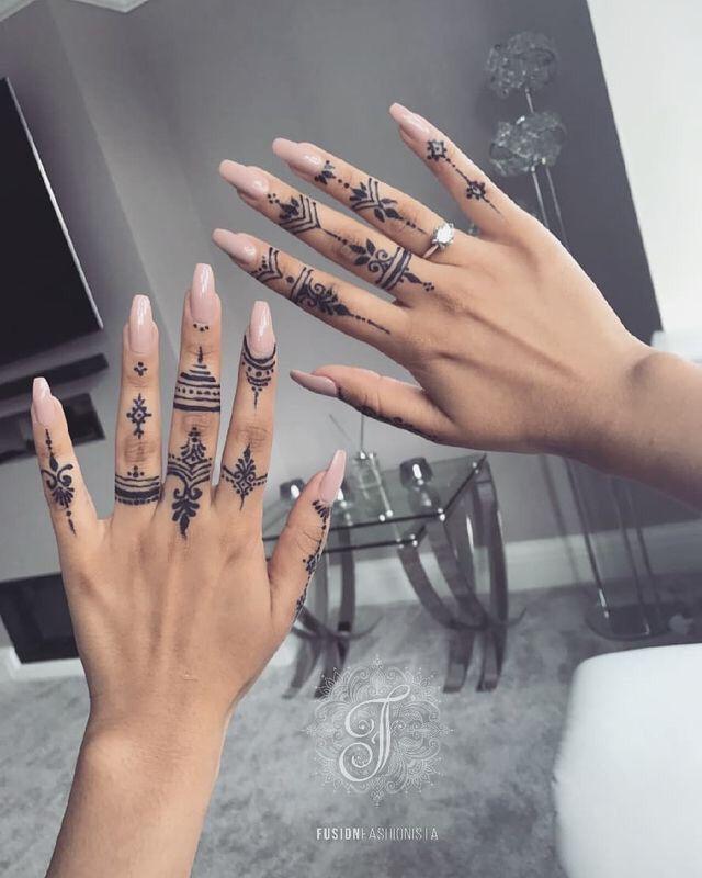 𝓈𝒶𝓋𝒶𝓃𝓃𝒶𝒽 𝓂𝒶𝒹𝒾𝓈𝑜𝓃 𝓍 𝒜 𝓂 Modèles Tatouages Au Henné Tatouage Au Henné Henné Noir