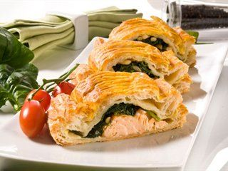 Salmon and spinach in puff pastry - Maybe would add some low fat ricotta?!