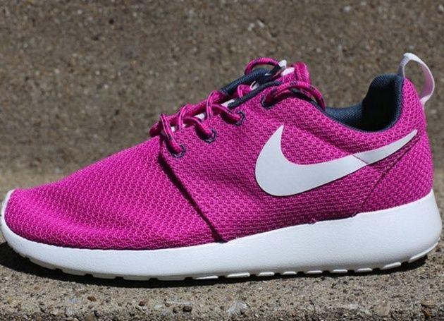 Nike Rosherun Print Women Laufschuhe light magenta-hyper pink-dark magenta grey-volt - 35,5