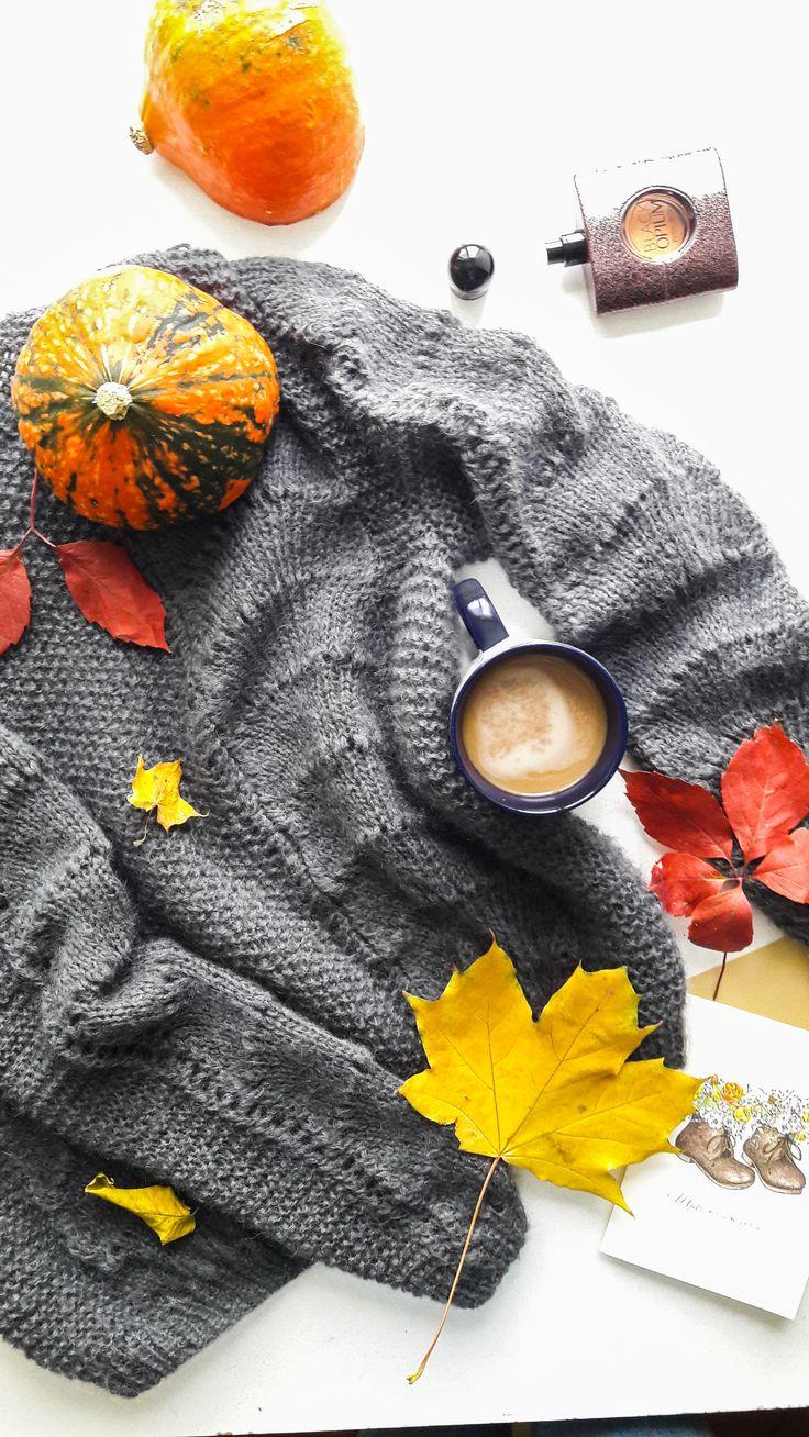 merino wool womens sweaters - grey merino wool sweater - grey sweater for women - mohair and merino sweater - grey mohair sweater - flat lay ideas - flat lay photo #flatlay #graysweater #greysweater #mohairsweater #greymohairsweater #etsymohairsweater #etsygreymohairsweater #etsy #etsysweaters