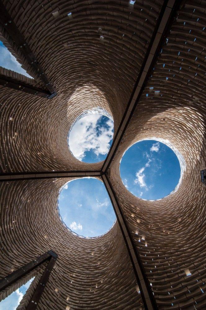 Hy-Fi, The Organic Mushroom Brick Tower At MoMA