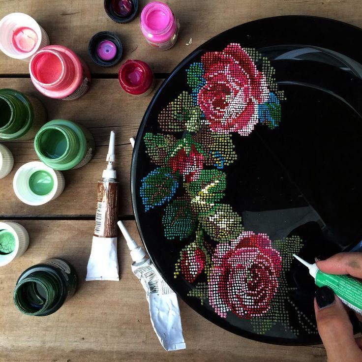 """Доброе утро! Идея попробовать """"вышить"""" розы на тарелке еще с февраля и вот, наконец решила попробовать,"""