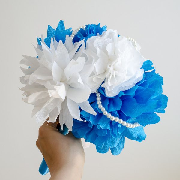 Product ID: BC0028We custom make beautiful blue paper flower bouquets.Paper flower bouquets are very suitable for religious or civil ceremony. Keep forever the memory of the most beautiful moment of your life!All our products are handmade.This bouquet can be done in medium or large size.For prices please send me an email with the product ID at hello@thediywedding.comImpress! Be unique! Be creative!We believe we can help you have the most amazing wedding! Call us!