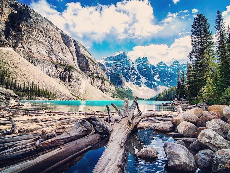 Discover the top 10 national parks in Canada - arguably the world's premier destination for nature lovers and outdoor enthusiasts.
