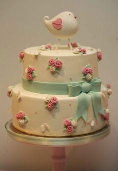 torta con  pajarito, moño y florcitas