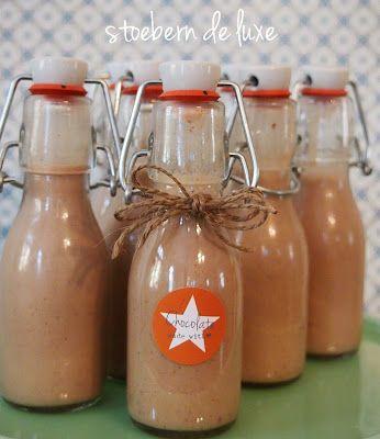 Weihnachtslikör:   Zutaten:      250ml brauner Rum     2 EL  Nutella oder andere…