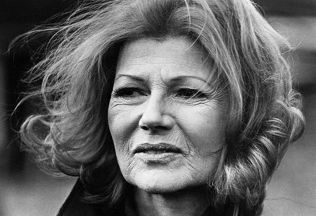 Rita Hayworth aged more beautifully than any of the recent Hollywood filler-filled starlets.