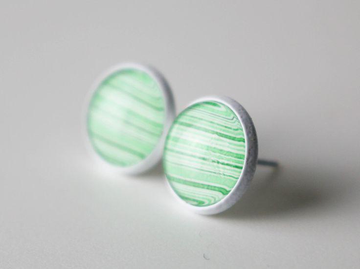 """Ohrstecker - Cabochonohrstecker """"Grüne Streifen"""" - ein Designerstück von Laura-Zielinski bei DaWanda"""