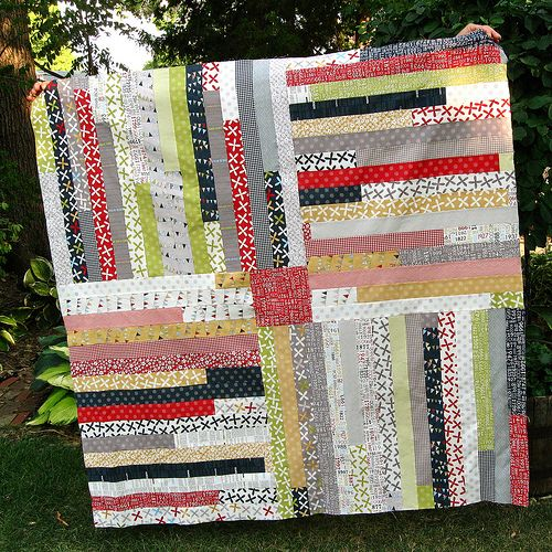 The idea for this quilt tutorial came from one I made in February--the  Four Corners Quilt .  I  attempted a tutorial at that time, bu...