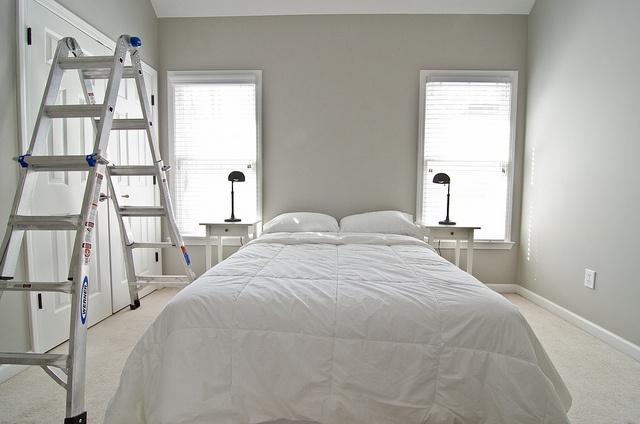 Valspar S Woodlawn Colonial Gray Beige Carpet Bedroom