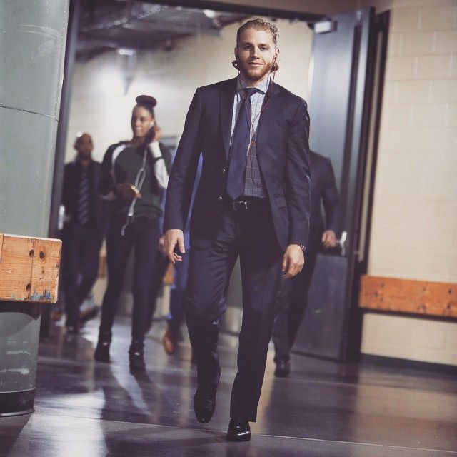 Hockey player in suit. Oh my...