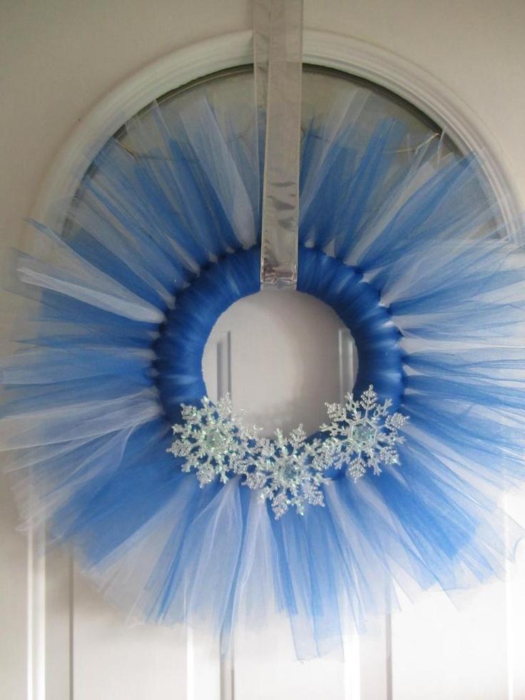Winter Tulle Wreath, looks like a snowflake! :)