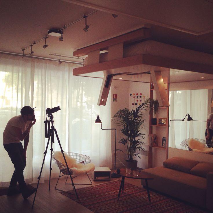 Shooting photo Bed Up modèle Cocoon en bois hêtre brut.
