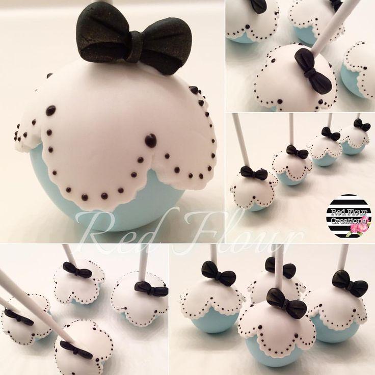 Gorgeous Alice In Wonderland Cake Pops